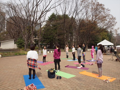 HAPPY MORNING YOGA!(1)